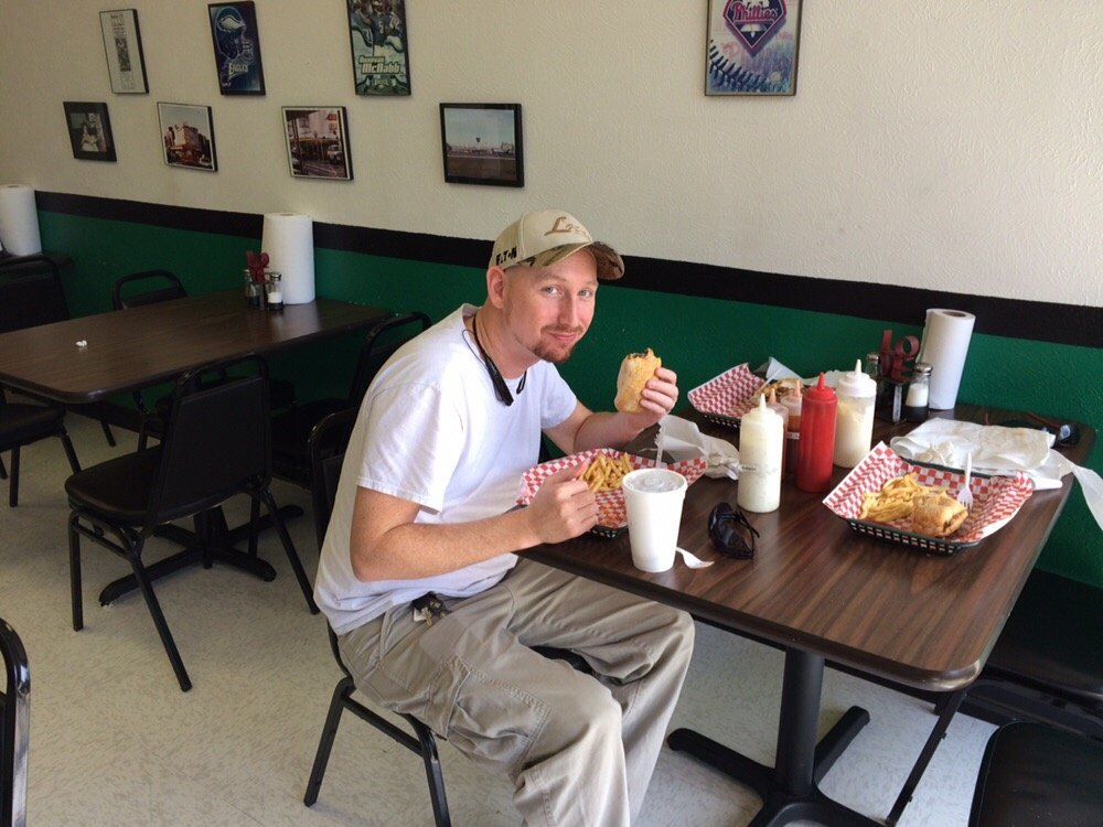 customers-eating-at-big-tonys-west-philly-cheese-steak-in-desoto-texas-the-best-philly-cheese-steak